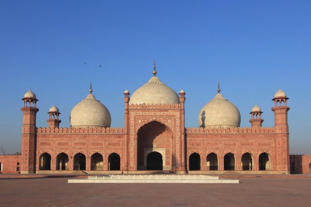 Best places to visit in Lahore: Badshahi Mosque